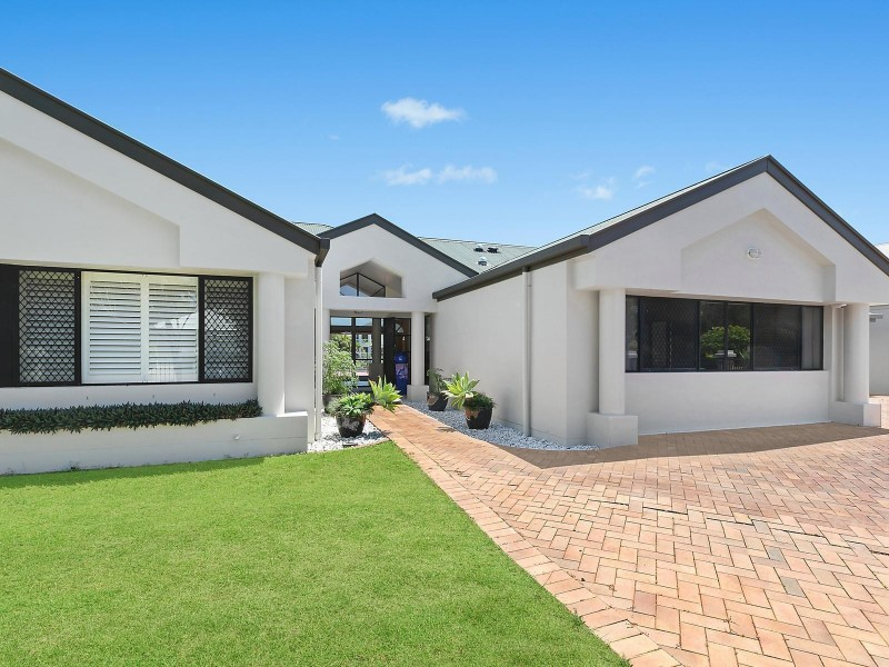5-7 Glenwood Place, Twin Waters QLD 4564