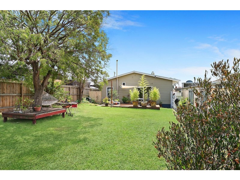 23 June Avenue, Hamlyn Heights VIC 3215