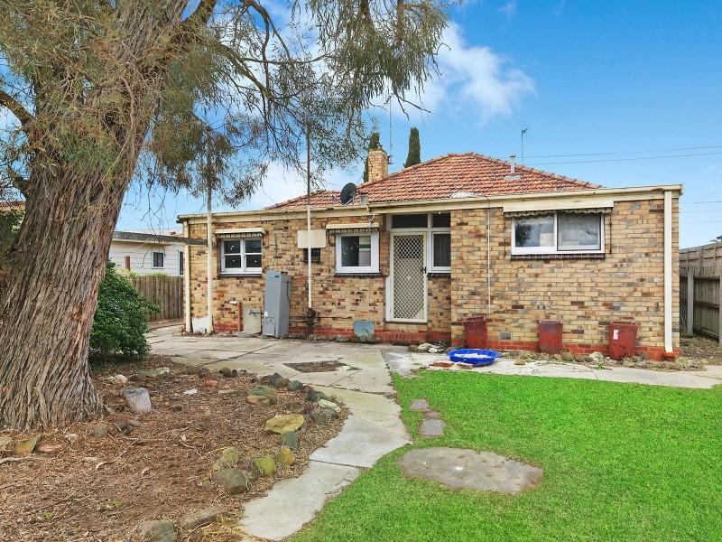 36 Wilsons Road, Newcomb VIC 3219