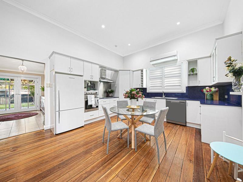 24 Melbourne Street, Abermain NSW 2326