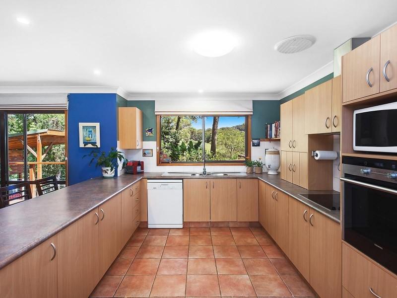 61 Ridgway Road, Avoca Beach NSW 2251