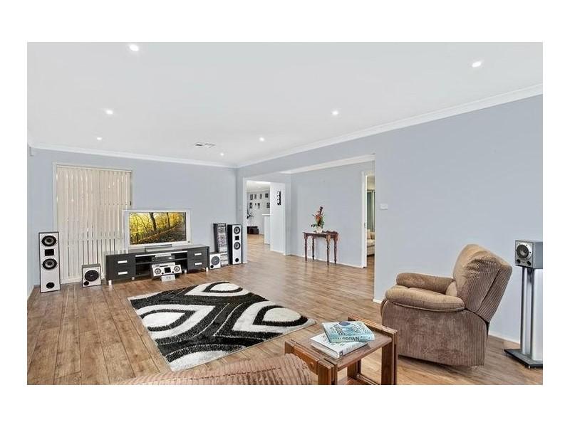 26 Yallah Street, Belimbla Park NSW 2570