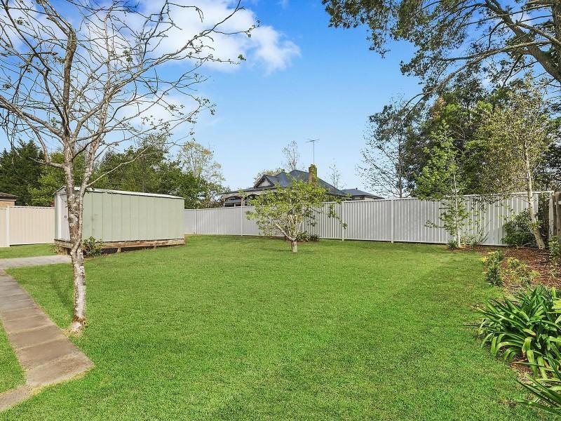 64 Waratah Road, Wentworth Falls NSW 2782