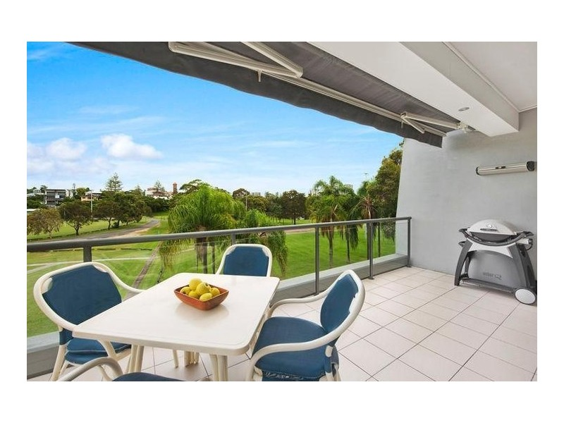 3/3 Carmichael Close, Coolangatta QLD 4225