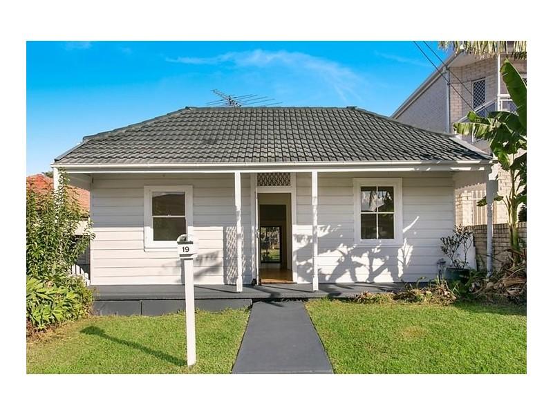 19 Arthur Street, Bexley NSW 2207