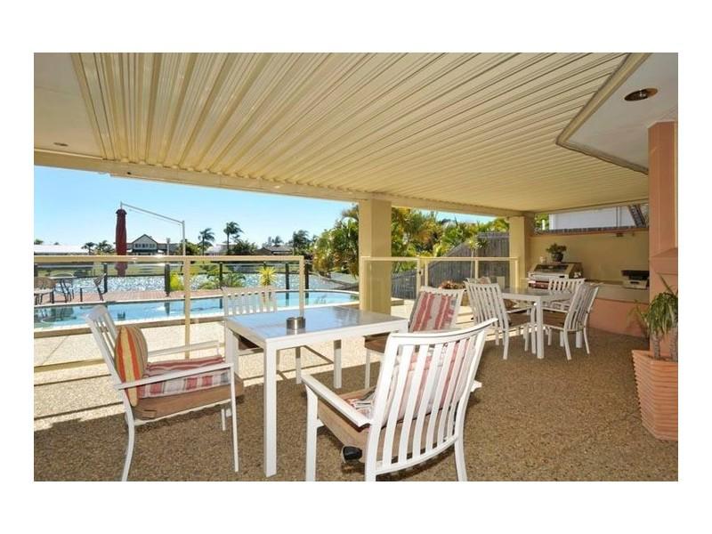 104 Cypress Drive, Broadbeach Waters QLD 4218