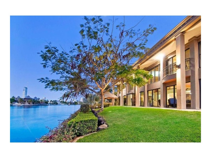 171 Monaco Street, Broadbeach Waters QLD 4218