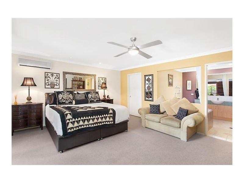38 T E Peters Drive, Broadbeach Waters QLD 4218