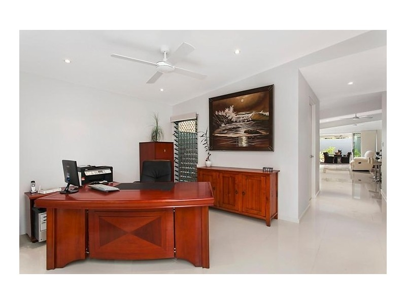 49 Breaker Street, Main Beach QLD 4217