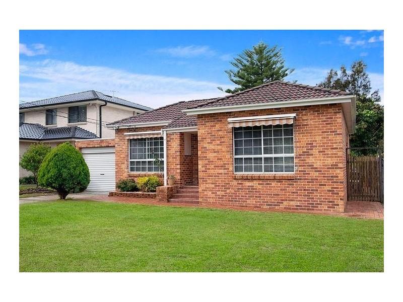 37 Warburton Street, Chifley NSW 2036