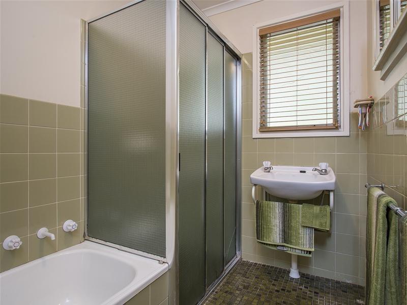 10 Alcatraz Street, Aberfoyle Park SA 5159
