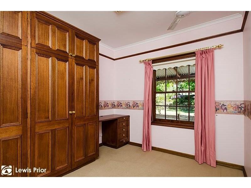 2 Tawny Court, Aberfoyle Park SA 5159