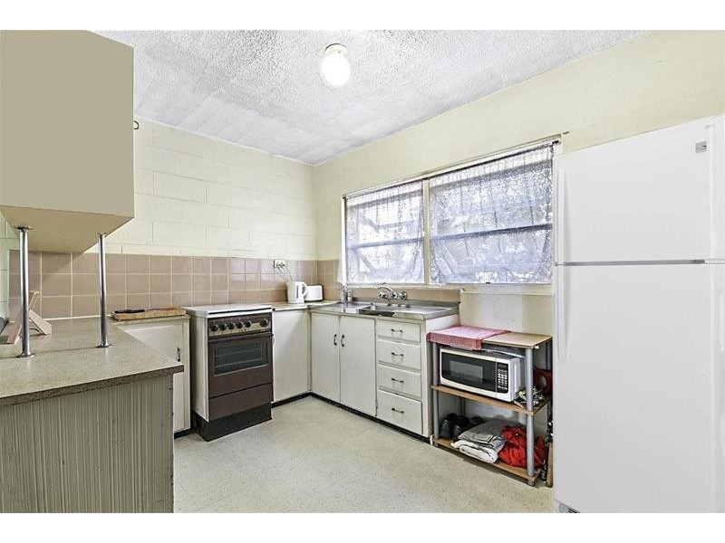 4/2930 Gold Coast Highway, Surfers Paradise QLD 4217