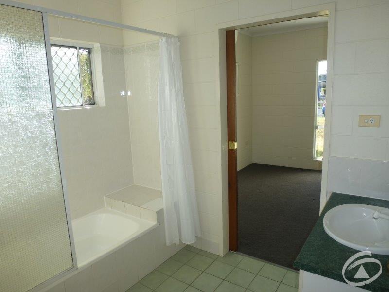 71 McLaughlin  Road, Bentley Park QLD 4869
