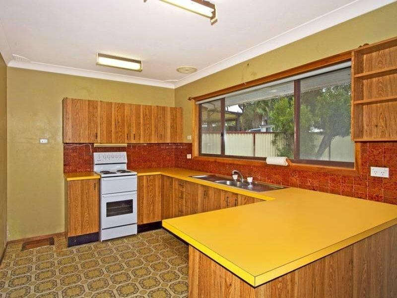 77 Cams Boulevard, Summerland Point NSW 2259