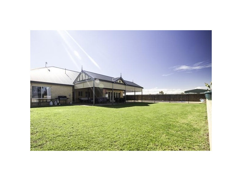 39 cnr Ridley and Randell Road, Mannum SA 5238