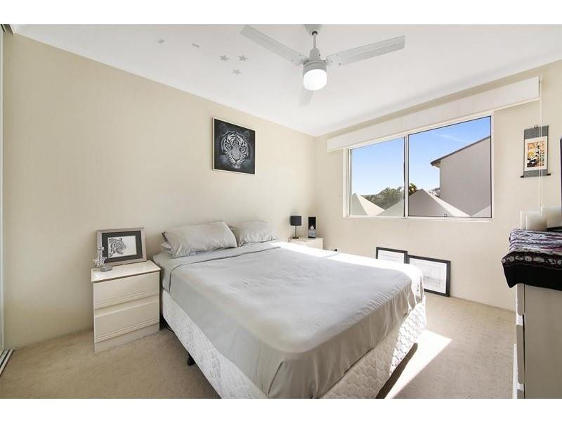 'CHIDORI COURT' 1 Cronin Avenue, Main Beach QLD 4217