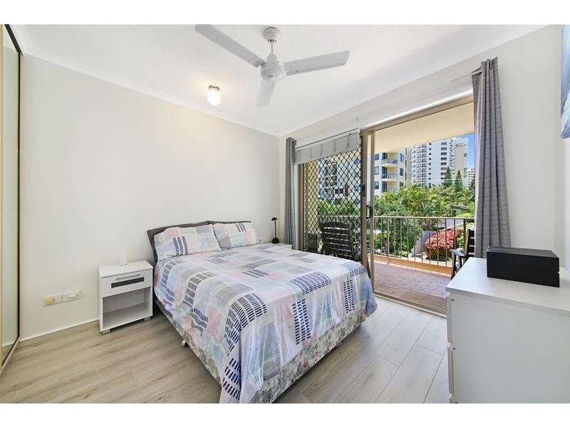 'PEAK LODGE' 8-10 Peak  Avenue, Main Beach QLD 4217