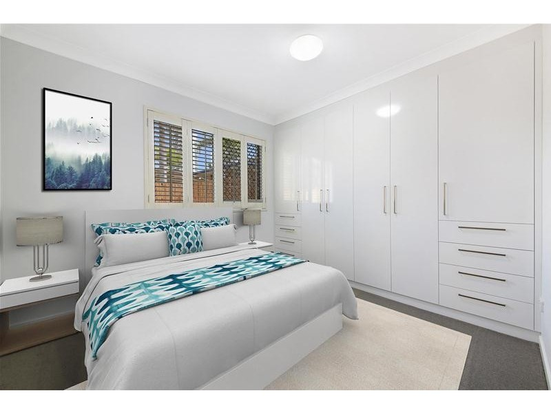 'MAINWAY LODGE' 4  Peak Avenue, Main Beach QLD 4217