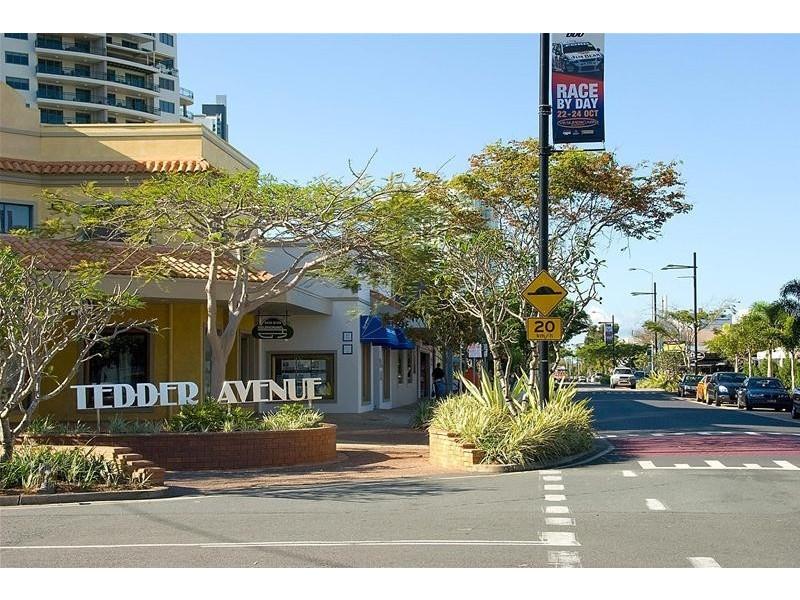 'MALDIVES' 46 Pacific  Street, Main Beach QLD 4217