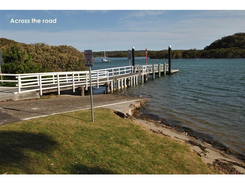 42 Orient Avenue, Orient Point NSW 2540
