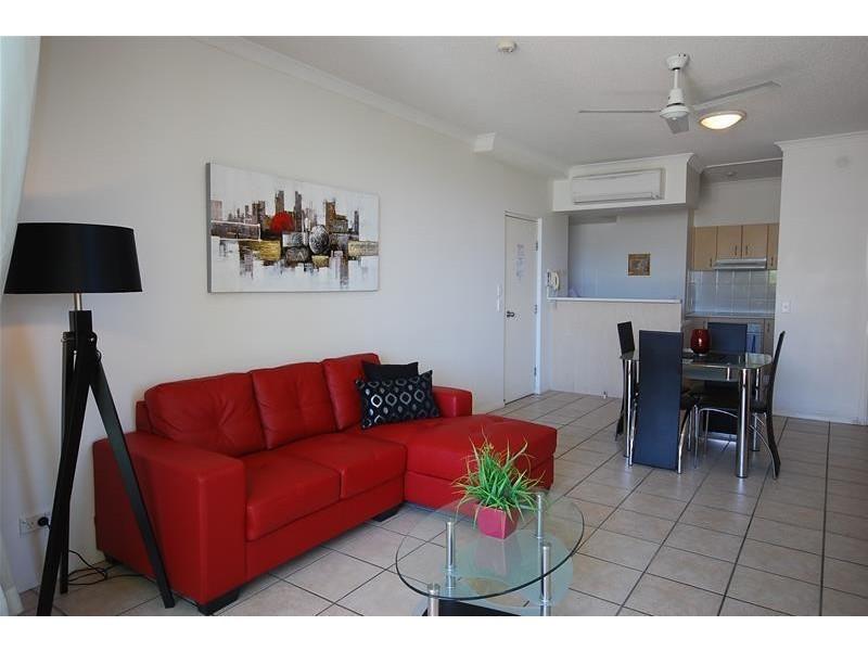 5/4 Buderim Avenue, Alexandra Headland QLD 4572