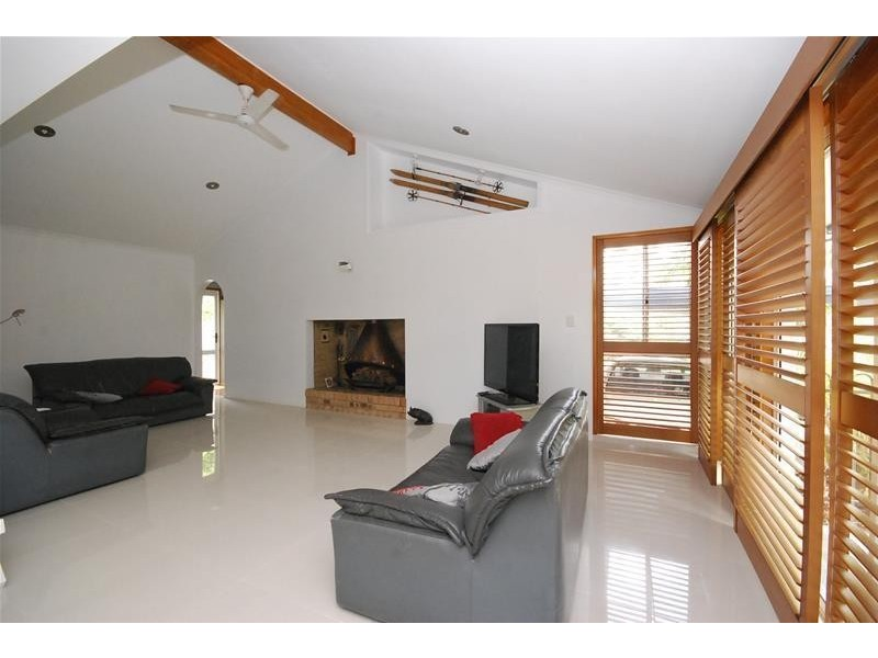 28 Oloway Crescent, Alexandra Headland QLD 4572