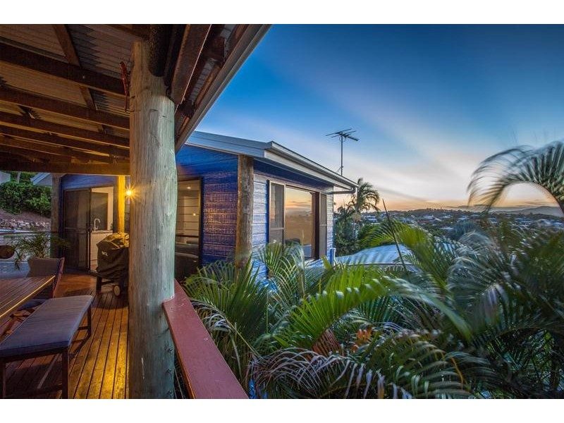 9 Sunrise Place, Blacks Beach QLD 4740