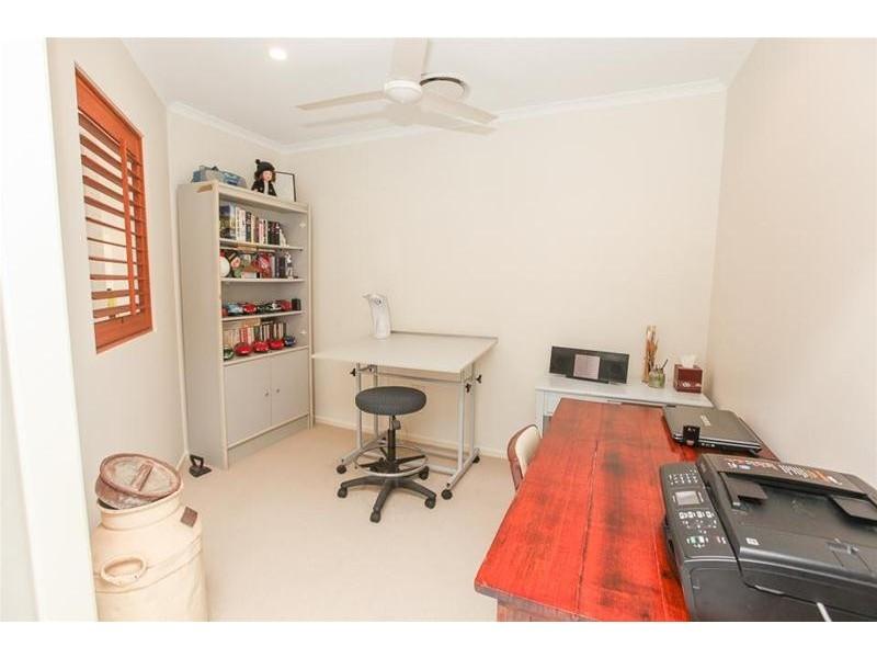 8 Navigator Court, Shoal Point QLD 4750