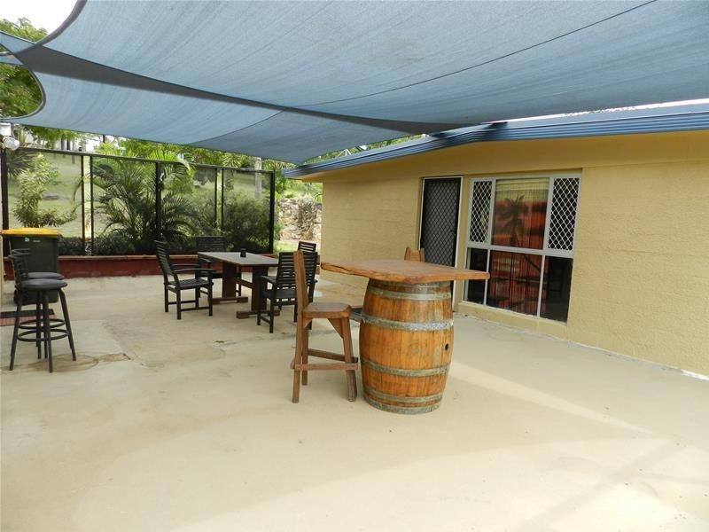 2 Old Bruce Highway, Carmila QLD 4739
