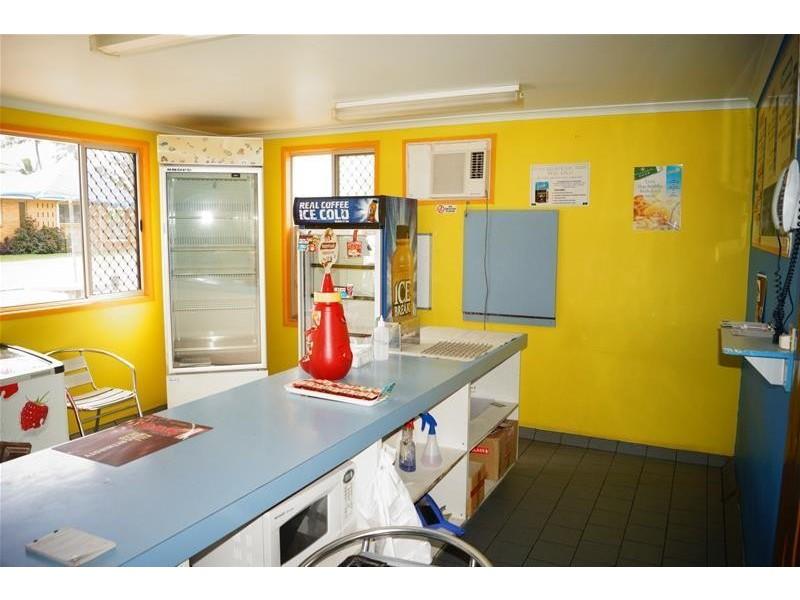 33 Zelma Street, Grasstree Beach QLD 4740