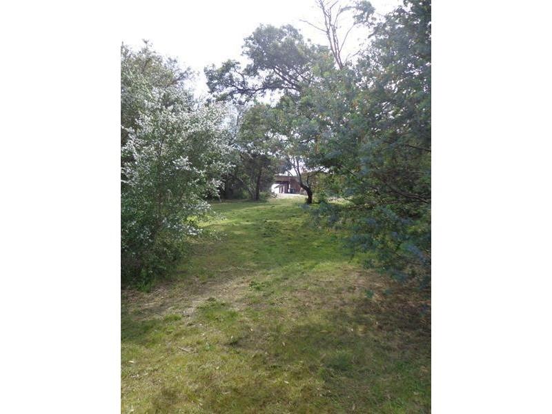 2 Wattle Grove, Loch Sport VIC 3851