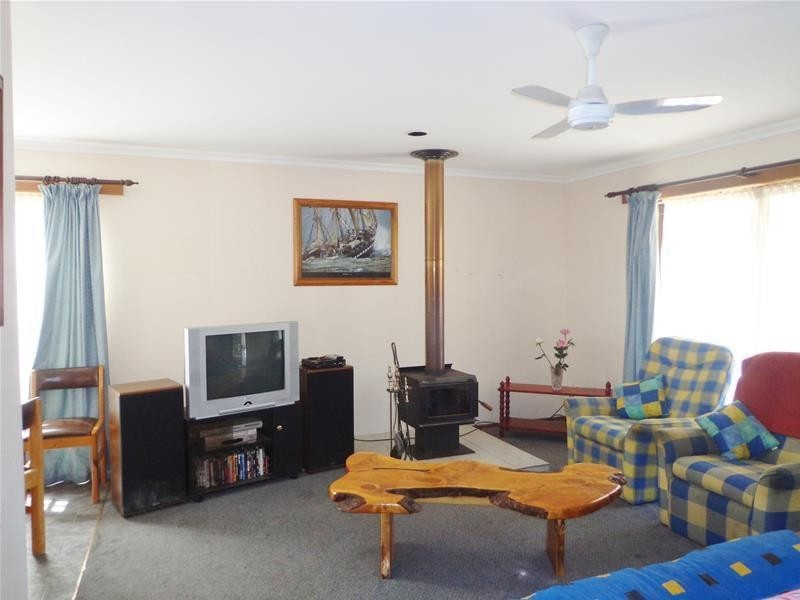 124 Toorak Avenue, Loch Sport VIC 3851