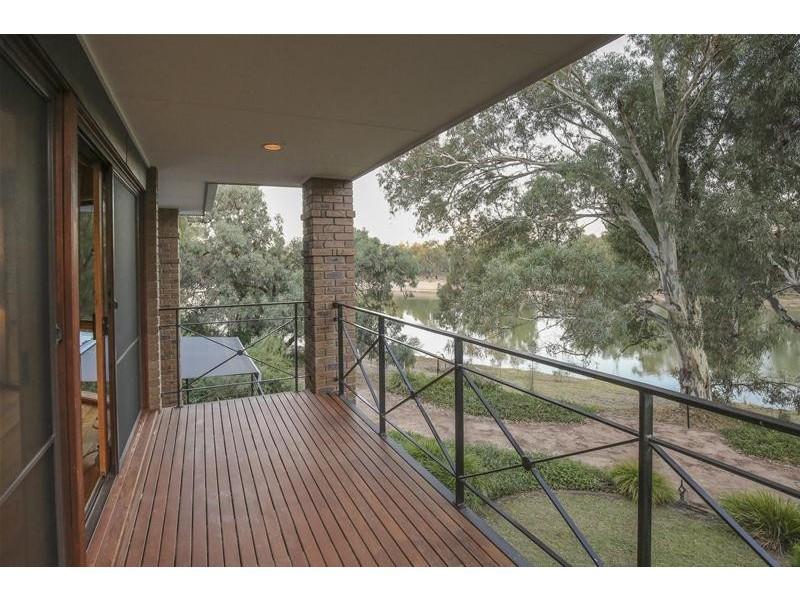 191 Pitman Avenue West, Buronga NSW 2739