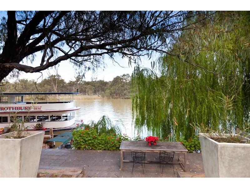8 River Drive, Buronga NSW 2739