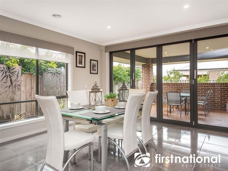 3 Clovelly Way, Officer VIC 3809