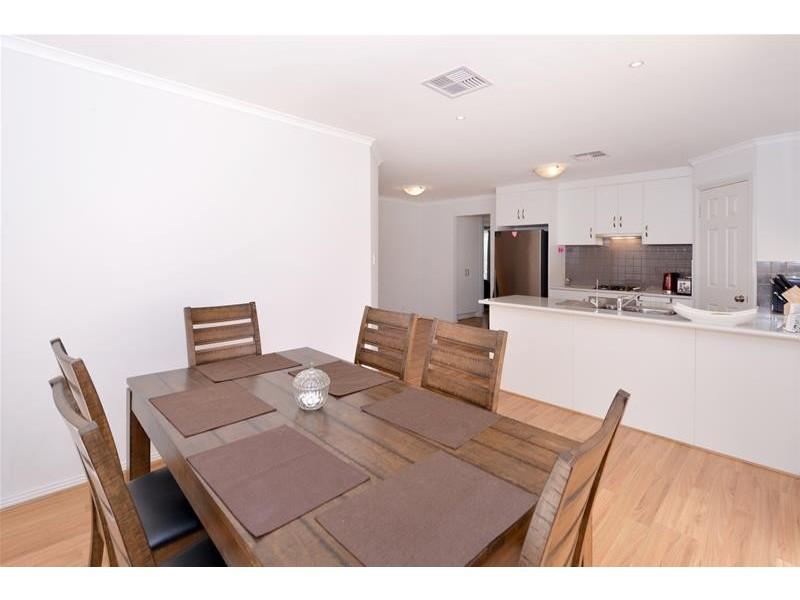 10 Berlin Terrace, Aberfoyle Park SA 5159