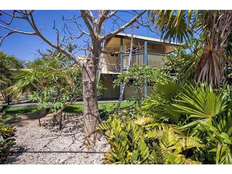 1 Howe Drive, Cable Beach WA 6726
