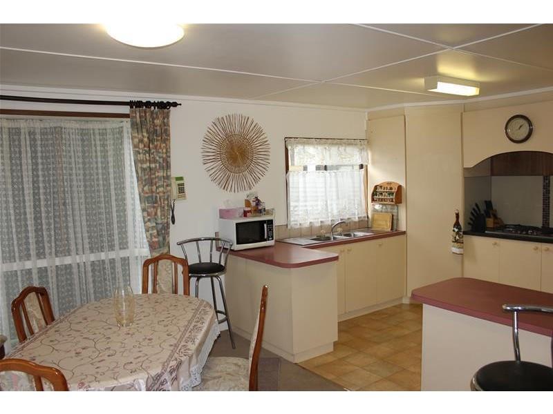 2 Birch Court, Bangholme VIC 3175