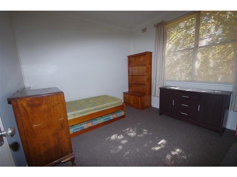 2 Sheahan Street, Cowra NSW 2794