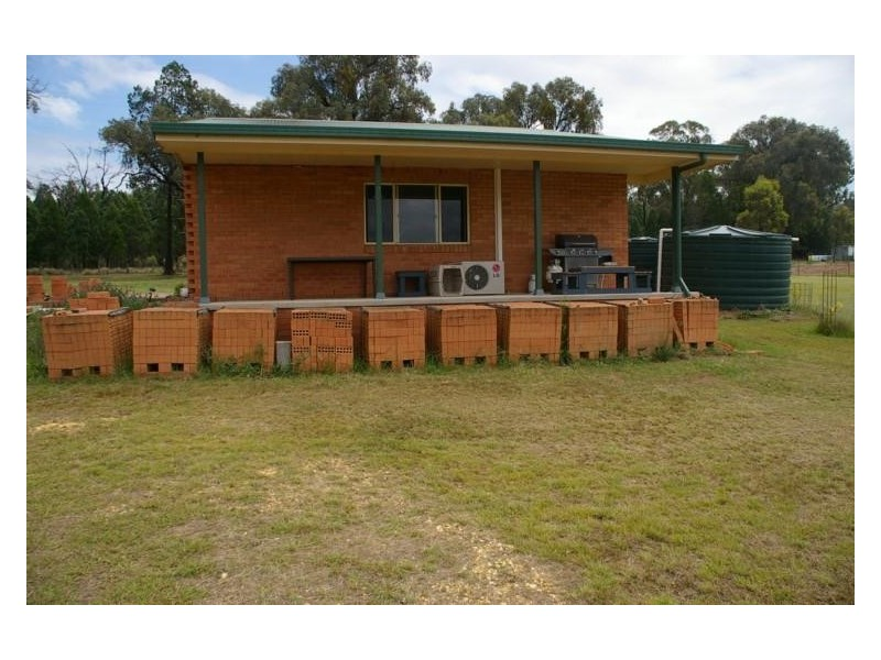 228 Conimbla Road, Cowra NSW 2794