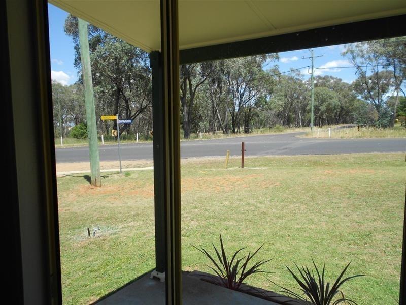1 Parkes Street, Woodstock NSW 2793