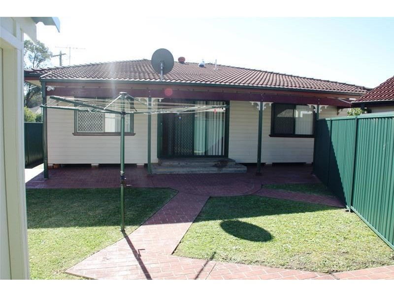 1 Monterey Street, South Wentworthville NSW 2145