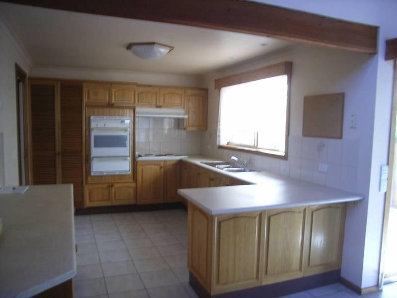 15 Whitehead Court, Altona Meadows VIC 3028