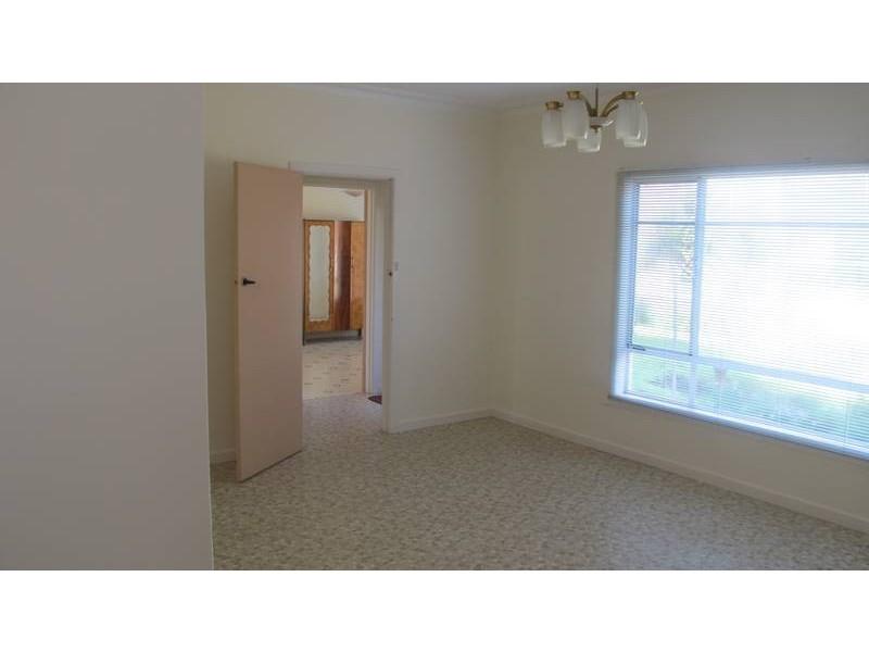 24 Almond Avenue, Altona North VIC 3025