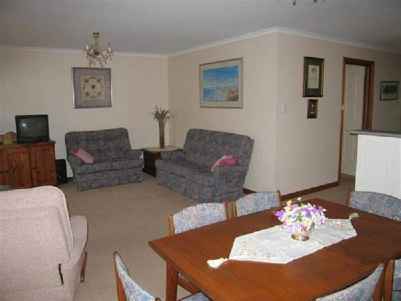 2/22 Jeanette Crescent, Aberfoyle Park SA 5159