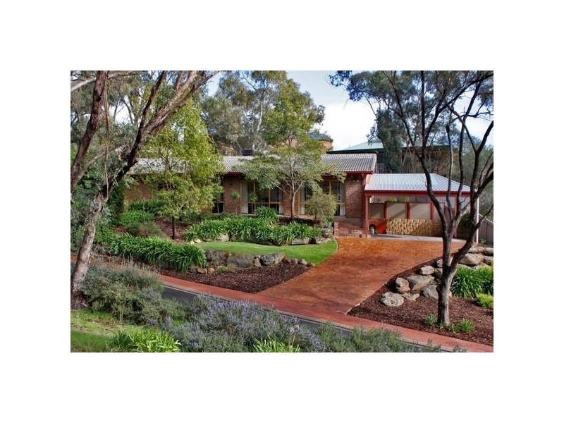 16 Woodland Grove, Aberfoyle Park SA 5159