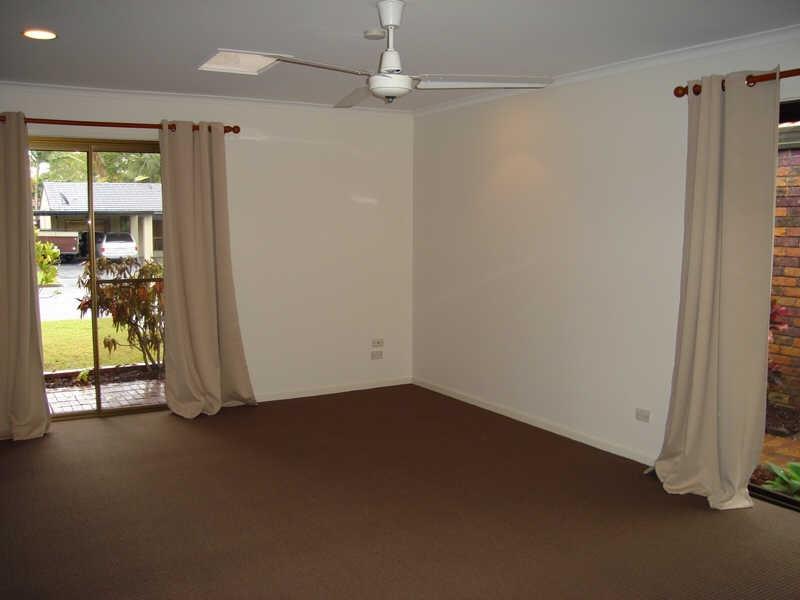 21 Burrinjuck Drive, Coombabah QLD 4216