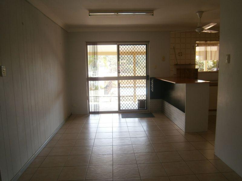 115 Mary Street, Blackstone QLD 4304