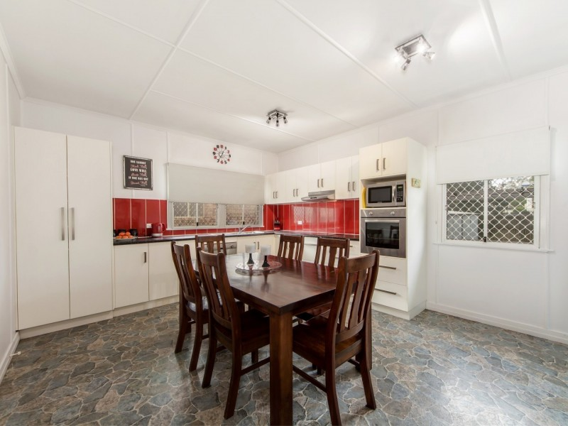 42 Briggs Road, Raceview QLD 4305